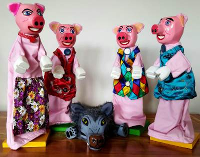 Mr Punch, Punch and Judy, puppet, puppet show, puppetry, Miraiker, Miraiker's World of Puppets, puppet maker, carved puppet, wooden puppet, traditional stories, traditional tales, the three little pigs puppets, pig puppet, wolf puppets, three little pigs show