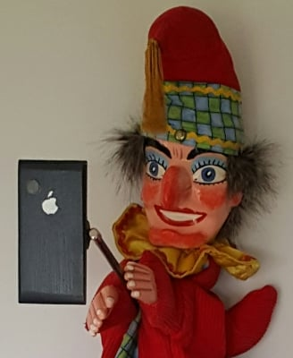 Mr Punch, Punch and Judy, puppet, puppet show, puppetry, Miraiker, Miraiker's World of Puppets, puppet maker, carved puppet, wooden puppet, selfie stick, selfie stick prop