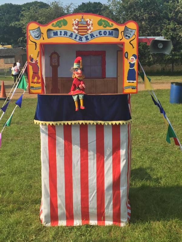 Mr Punch, Punch and Judy, puppet, puppet show, puppetry, Miraiker, Miraiker's World of Puppets, puppet maker, carved puppet, wooden puppet, Punch and Judy show, Punch and Judy booth, puppet booth