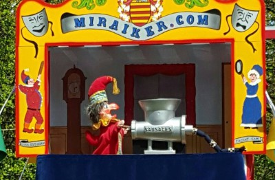 Mr Punch, Punch and Judy, puppet, puppet show, puppetry, Miraiker, Miraiker's World of Puppets, puppet maker, carved puppet, wooden puppet, puppet props, Punch and Judy show, Punch and Judy booth, puppet booth, sausage machine, sausages, sausage machine prop